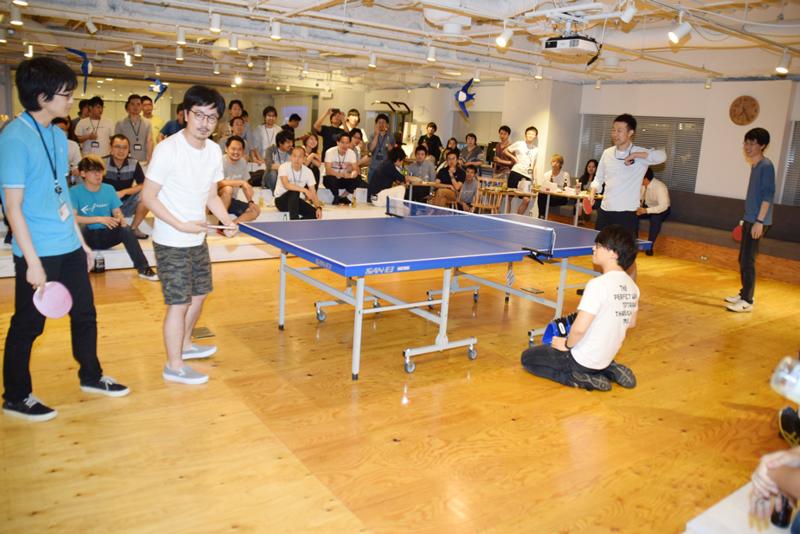 卓球大会ではギャラリー席も設置