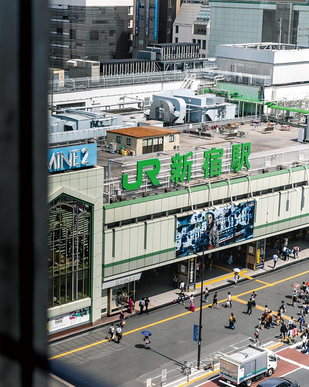 デジタルハリウッドSTUDIO新宿 窓からの眺望(JR新宿駅)