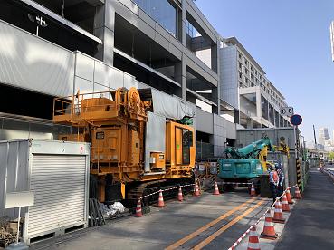 駅東口のリニア中央新幹線の工事現場